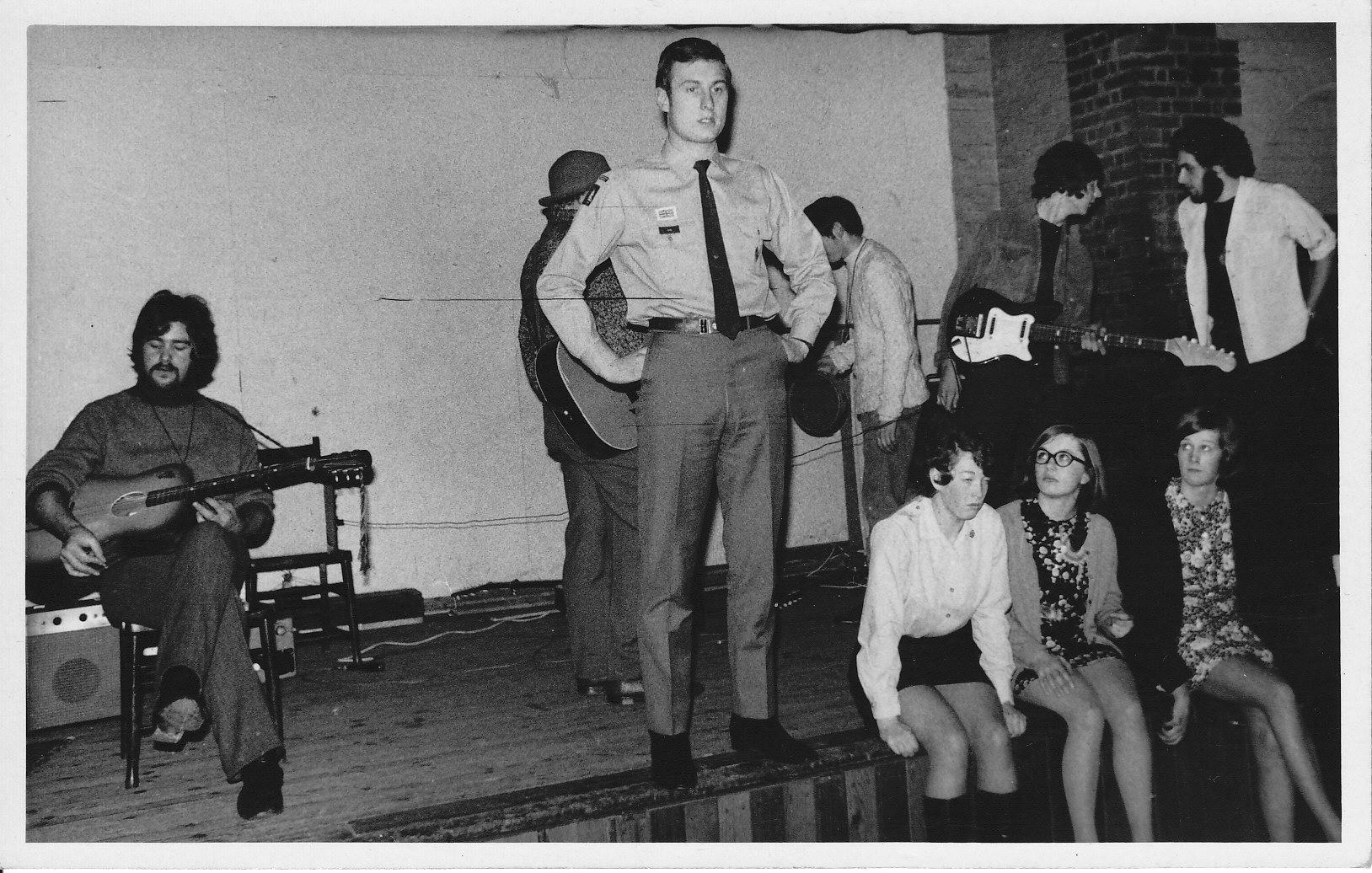 PignWissul Folk Band 1969